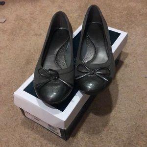 Flat comfort shoe